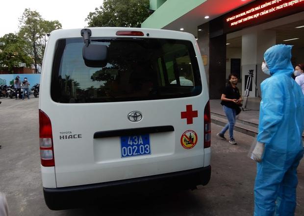 Tin vui: Bệnh nhân Covid-19 thứ 4 ở Đà Nẵng khỏi bệnh, vui mừng chụp ảnh selfie trước khi được về nhà - Ảnh 3.