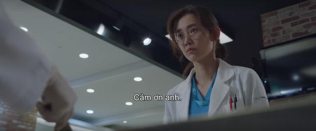 5 khoảnh khắc cười ná thở ở Hospital Playlist: Đỉnh cao là màn líu lưỡi Ik Sun là em gái, Micky là chó, chó là Ik Sun - Ảnh 9.