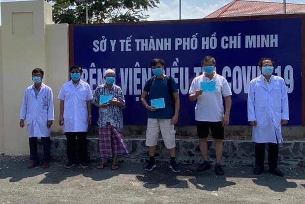 Tin vui: Ca nhiễm thứ 100 từng đi lễ 5 lần/ngày cùng 2 bệnh nhân khác tại TP.HCM đã khỏi bệnh - Ảnh 1.
