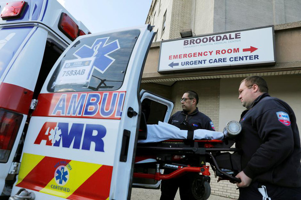 Nữ y tá nhiễm Covid-19 bị sốc trước thái độ của các đồng nghiệp, đau đớn vì không được thở máy dù bệnh tình nguy kịch - Ảnh 1.