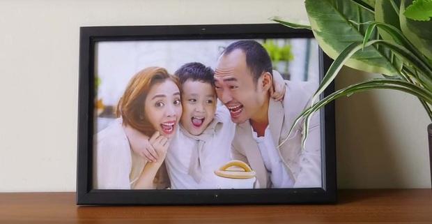 """Thu Trang xúc động khi thấy con trai quyết bảo vệ bức ảnh gia đình khi người lạ tới """"siết"""" - Ảnh 2."""