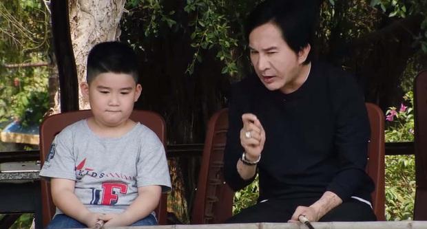 """Thu Trang xúc động khi thấy con trai quyết bảo vệ bức ảnh gia đình khi người lạ tới """"siết"""" - Ảnh 4."""