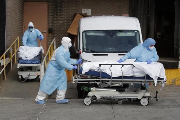 Tàu bệnh viện 1.000 giường tới New York nhưng không chữa cho người mắc Covid-19 - Ảnh 3.