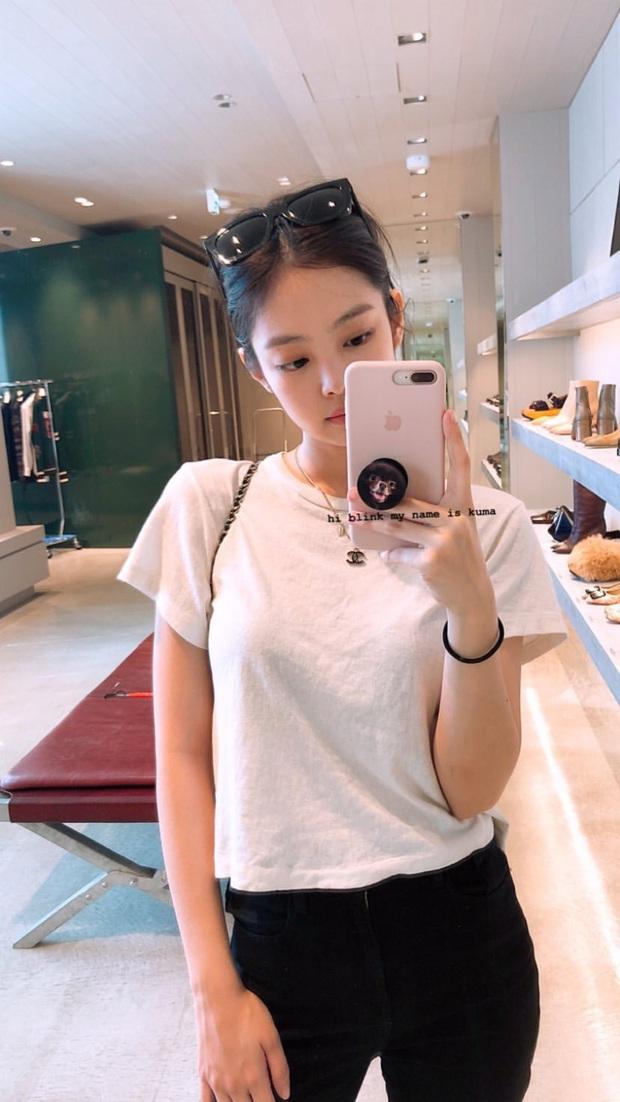 Jennie (BLACKPINK) đúng là nữ hoàng selfie của Kbiz: Muôn hình vạn trạng, đạt đến level cứ up hình đều gây bão - Ảnh 9.