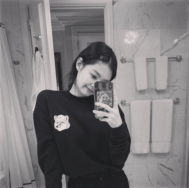 Jennie (BLACKPINK) đúng là nữ hoàng selfie của Kbiz: Muôn hình vạn trạng, đạt đến level cứ up hình đều gây bão - Ảnh 10.