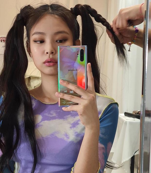 Jennie (BLACKPINK) đúng là nữ hoàng selfie của Kbiz: Muôn hình vạn trạng, đạt đến level cứ up hình đều gây bão - Ảnh 3.