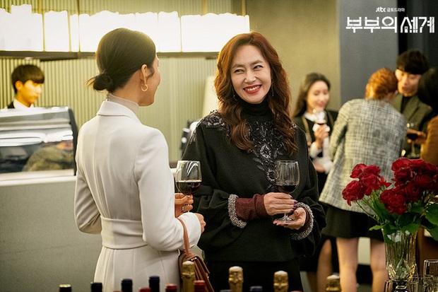 Style trong siêu phẩm bóc phốt ngoại tình đang gây sốt xứ Hàn: Từ nữ chính đến phụ đều mặc đẹp mãn nhãn, không cày phim tiếc lắm ai ơi! - Ảnh 13.