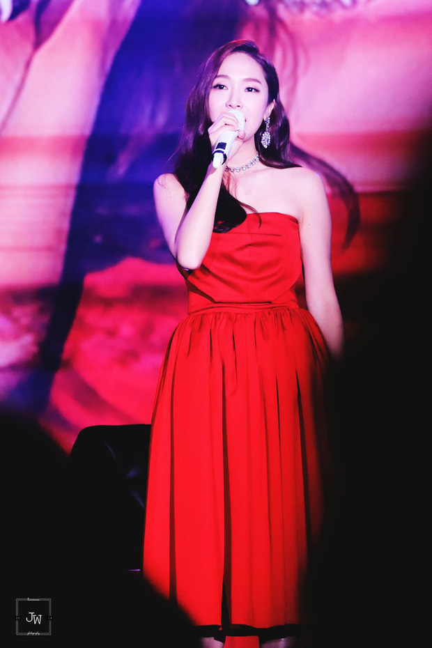 Irene xinh như công chúa khi đụng váy với Jessica, chỉ tội Dara mất công biến tấu lại đâm rối mắt - Ảnh 3.