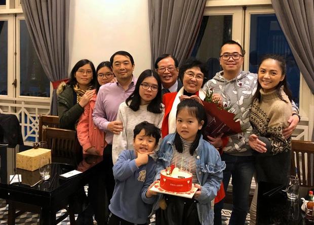 Rộ nghi vấn Thu Quỳnh sắp lên xe hoa vì chi tiết đặc biệt trong ảnh hội ngộ dàn sao Về nhà đi con - Ảnh 7.