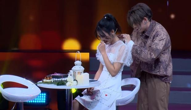 Tình yêu hoàn mỹ: Fan cứng của Sơn Tùng M-TP từ chối Hoàng Trung để tỏ tình với Cody (Uni5) - Ảnh 4.
