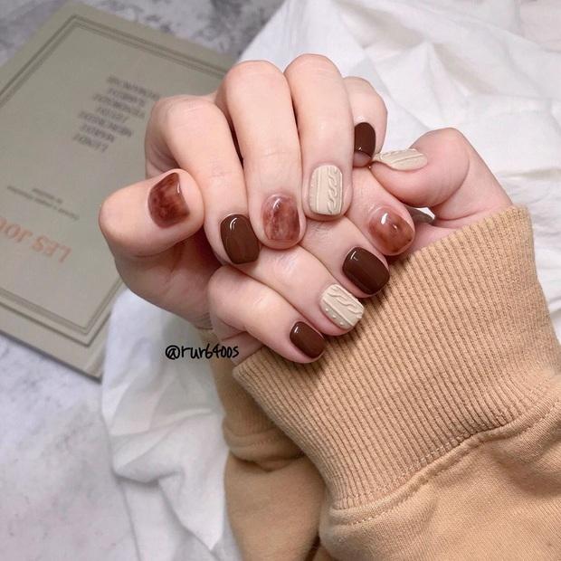Bộ nail làm tăng thần thái là có thật: 12 mẫu nail sang-xịn-mịn bạn nên ghim ngay đợi ngày bung lụa - Ảnh 5.