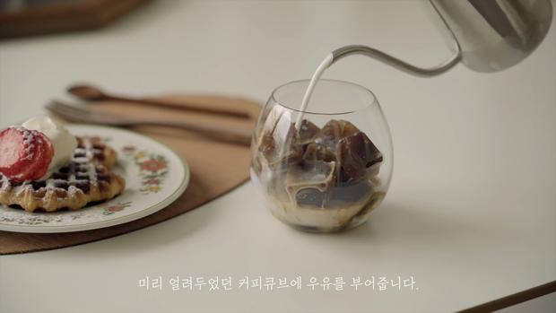 Youtuber triệu subcribers người Hàn làm vlog gợi ý lịch trình một ngày: Hóa ra ở nhà không chán hề chán như tưởng tượng - Ảnh 4.