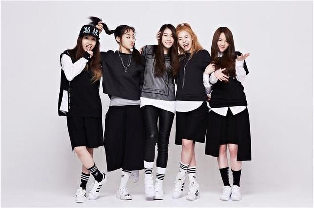 """Số phận thành viên """"hụt"""" của BLACKPINK: Mỹ nhân xinh không kém Jisoo debut rồi vẫn mờ nhạt, bạn thân Lisa ra mắt trong girlgroup thị phi - Ảnh 12."""