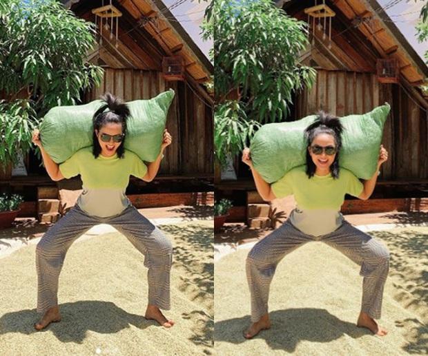 Trong cái khó ló cái khôn, dàn sao Việt hết lấy cục đá ven đường rồi bê cả cúp MAMA làm dụng cụ tập luyện khi phòng gym đóng cửa - Ảnh 1.