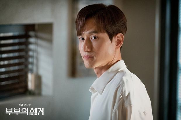 Nhìn không ra Tae Oh (Thế Giới Hôn Nhân) là ân nhân của Song Joong Ki ở Arthdal Niên Sử Kí, đỉnh cao biến hình chính là đây! - Ảnh 1.