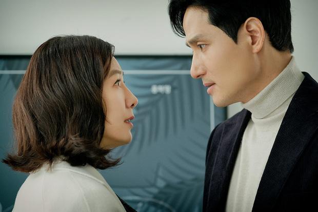 Nhìn không ra Tae Oh (Thế Giới Hôn Nhân) là ân nhân của Song Joong Ki ở Arthdal Niên Sử Kí, đỉnh cao biến hình chính là đây! - Ảnh 4.