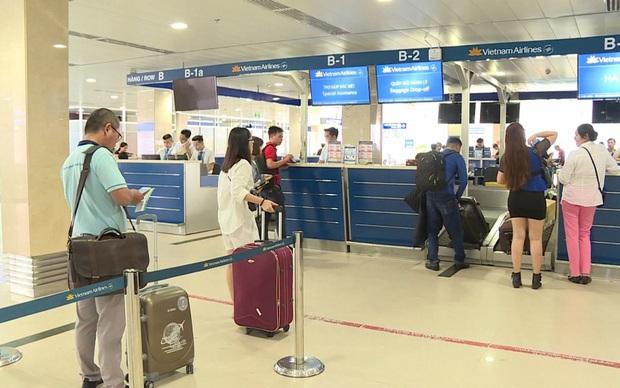 Không xếp khách quá 80% tổng số ghế trên tàu bay để hạn chế lây nhiễm COVID-19 - Ảnh 1.