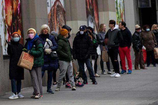 Hơn 30 triệu người ở Mỹ đăng ký xin trợ cấp thất nghiệp - Ảnh 1.