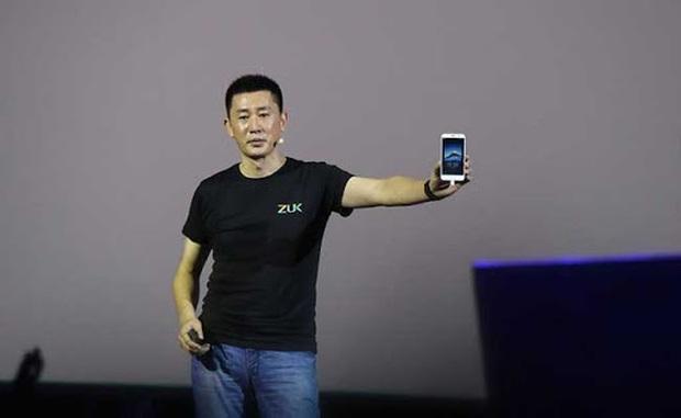 Khuyên mua smartphone để chụp lén ký túc xá nữ, sếp Xiaomi bị dân mạng Trung Quốc ném đá thậm tệ - Ảnh 1.