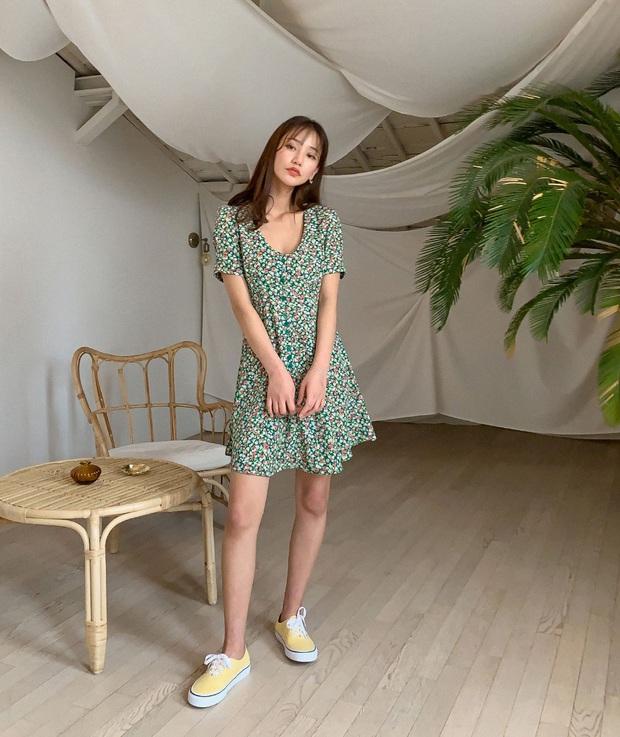 5 mẫu váy xứng đáng được chị em đầu tư vì diện lên chỉ trẻ trung xinh tươi chứ muốn dừ đi cũng khó - Ảnh 11.