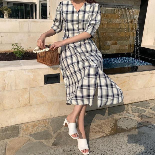 5 mẫu váy xứng đáng được chị em đầu tư vì diện lên chỉ trẻ trung xinh tươi chứ muốn dừ đi cũng khó - Ảnh 17.