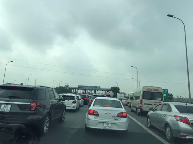 Bốn ô tô đâm dồn toa, đường tránh TP Ninh Bình ùn tắc nhiều km - Ảnh 7.