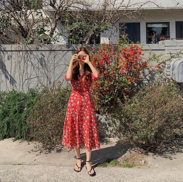 5 mẫu váy xứng đáng được chị em đầu tư vì diện lên chỉ trẻ trung xinh tươi chứ muốn dừ đi cũng khó - Ảnh 10.