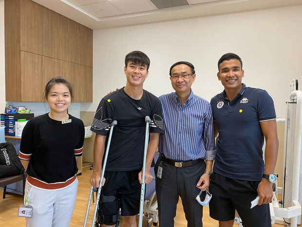 Thần y của tuyển Việt Nam mắc kẹt tại Hàn Quốc vì Covid-19, Duy Mạnh, Xuân Trường phải tập với bác sĩ lạ tại PVF - Ảnh 1.
