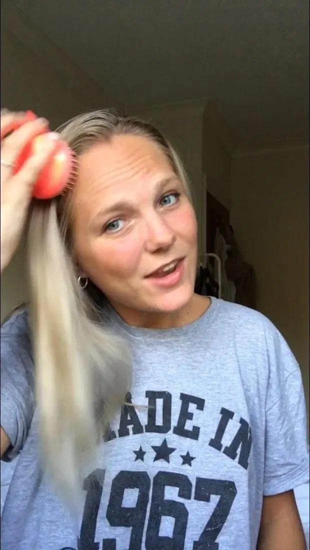3 tuần không dùng dầu gội đầu, cô gái thấy tóc mềm mượt, óng ả hơn hẳn, lại còn giảm gãy rụng thấy rõ - Ảnh 5.