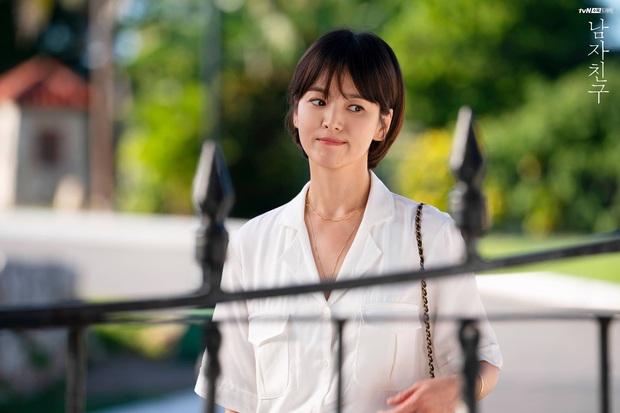 Chiêm ngưỡng màn lão hóa ngược đỉnh cao của Jang Nara và Song Hye Kyo, chị em dễ muốn cắt tóc pixie dài - mái mưa để hack tuổi - Ảnh 5.