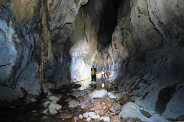 Nóng: Phát hiện thêm 12 hang động mới, hoàn toàn chưa có dấu chân người ở Quảng Bình - Ảnh 2.