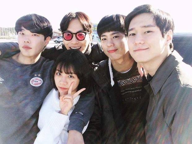Netizen Việt bồi hồi nhớ nhung Reply 1988 sau 4 năm gây bão Hàn Quốc, leo thẳng top 3 Netflix giữa mùa ở nhà cày phim - Ảnh 1.