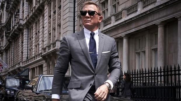 Bóng hồng của Điệp Viên 007 đại diện chị em cất lên tiếng khai thật: Nhìn James Bond mị thấy rần rần cả người! - Ảnh 1.