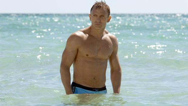 Bóng hồng của Điệp Viên 007 đại diện chị em cất lên tiếng khai thật: Nhìn James Bond mị thấy rần rần cả người! - Ảnh 2.