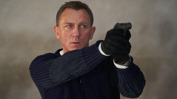 Bóng hồng của Điệp Viên 007 đại diện chị em cất lên tiếng khai thật: Nhìn James Bond mị thấy rần rần cả người! - Ảnh 5.