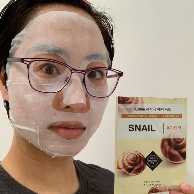 Ngày nào cũng đắp mặt nạ giấy, cô nàng này đã tìm ra 5 loại bình dân đáng mua nhất - Ảnh 2.