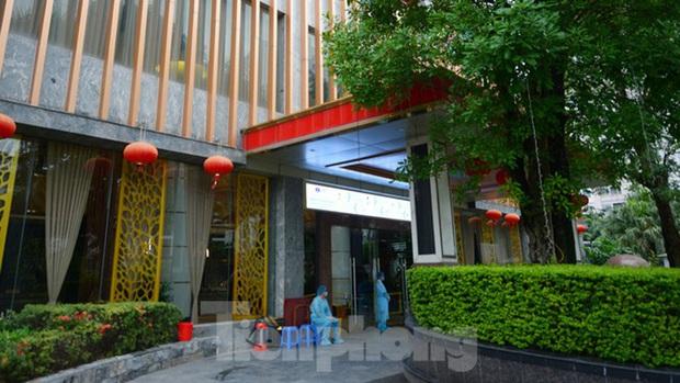 Cuộc sống cách ly của các y bác sĩ Bạch Mai trong khách sạn 4 sao - Ảnh 1.