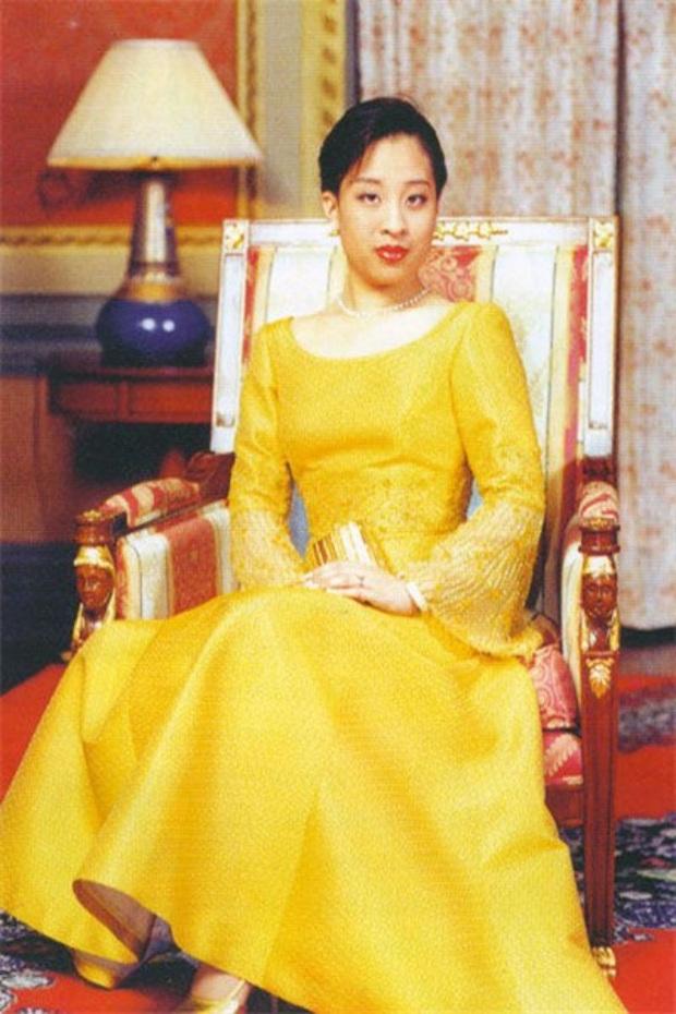 Ma cà rồng Lâm Chí Dĩnh: Suýt cưới công chúa Thái Lan, đứt duyên với Lâm Tâm Như và hôn nhân cọc đi tìm trâu ồn ào - Ảnh 5.