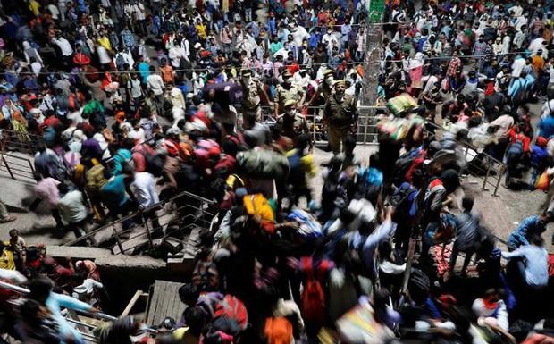 Ca tử vong do COVID-19 tại khu ổ chuột hơn 1 triệu dân gióng hồi chuông báo động đỏ cho tình hình ở Ấn Độ - Ảnh 1.