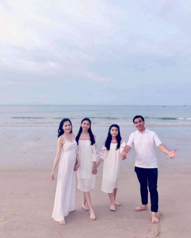Quyền Linh đăng ảnh ngày ấy bây giờ mừng sinh nhật con gái lớn Lọ Lem: Đúng là dậy thì thành công, mới 14 tuổi đã cao vượt trội - Ảnh 6.