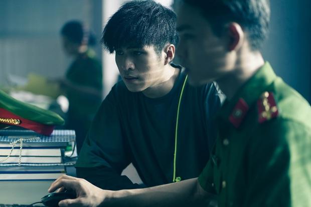 Chán làm thầy bùa Thiên Linh Cái, Quang Tuấn hóa sát thủ rượt đuổi Phương Anh Đào ná thở ở Bằng Chứng Vô Hình - Ảnh 8.