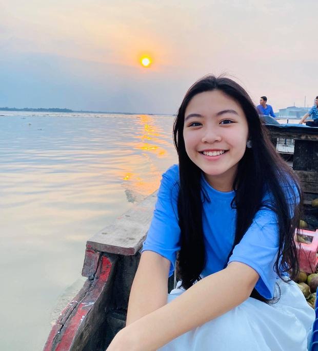 Quyền Linh đăng ảnh ngày ấy bây giờ mừng sinh nhật con gái lớn Lọ Lem: Đúng là dậy thì thành công, mới 14 tuổi đã cao vượt trội - Ảnh 4.