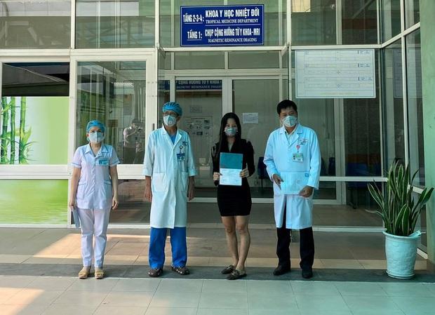 Tin vui: Thêm 1 bệnh nhân Covid-19 xuất viện, Đà Nẵng chỉ còn 1 ca nhiễm virus Corona - Ảnh 1.