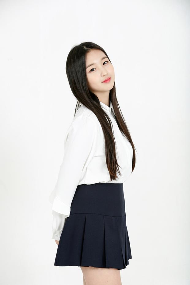 Nữ Idol 14 tuổi có ngoại hình như em bé: So sánh với center của IZ*ONE quả là một trời một vực! - Ảnh 5.