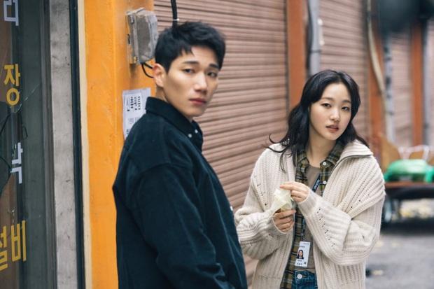 """Ngoài Lee Min Ho, vẫn còn 4 lí do để hóng Quân Vương Bất Diệt: Thắc mắc nhất là tình đam mỹ"""" hai anh có cho nữ chính """"ra chuồng gà""""? - Ảnh 3."""