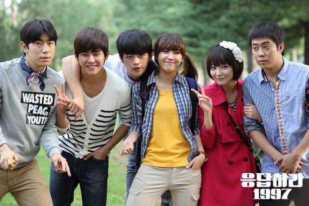 Nhìn lại bộ ba phim Reply huyền thoại của tvN: Reply 1997 chiếm trọn trái tim fan Kpop, trận chiến tìm chồng nâng tầm độ khó từ 1994 tới 1988 - Ảnh 4.
