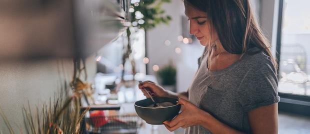 Trổ tài nấu nướng ngày ở nhà chống dịch: Bỏ thêm chút nguyên liệu khi nấu cơm giúp tăng gấp đôi dinh dưỡng lại kiểm soát được mỡ thừa - Ảnh 3.