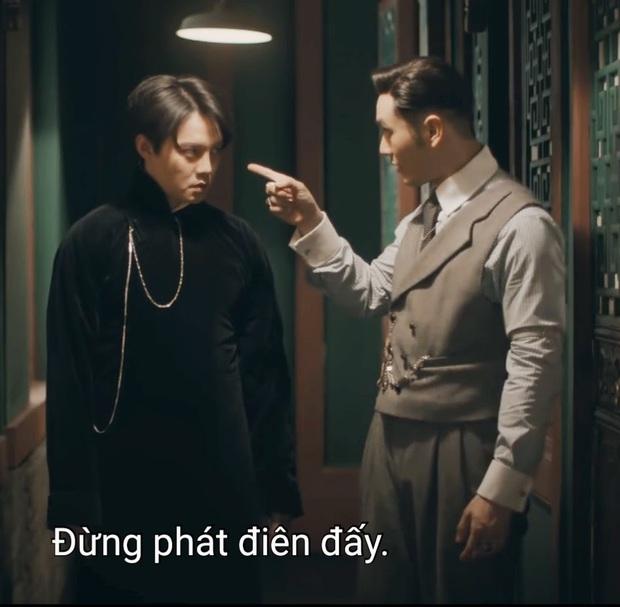 Cười rụng nụ cảnh Huỳnh Hiểu Minh bị bạn trai cắn yêu không trượt phát nào ở Bên Tóc Mai Không Phải Hải Đường Hồng - Ảnh 1.