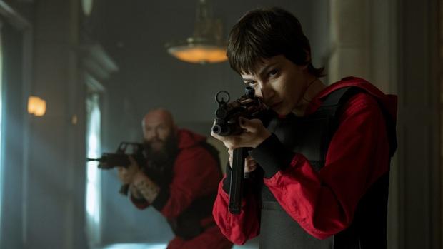 Ngộp thở vì twist của bầy trộm máu lạnh hơn cả Joker ở Money Heist - Top 1 trending Netflix Việt Nam - Ảnh 10.