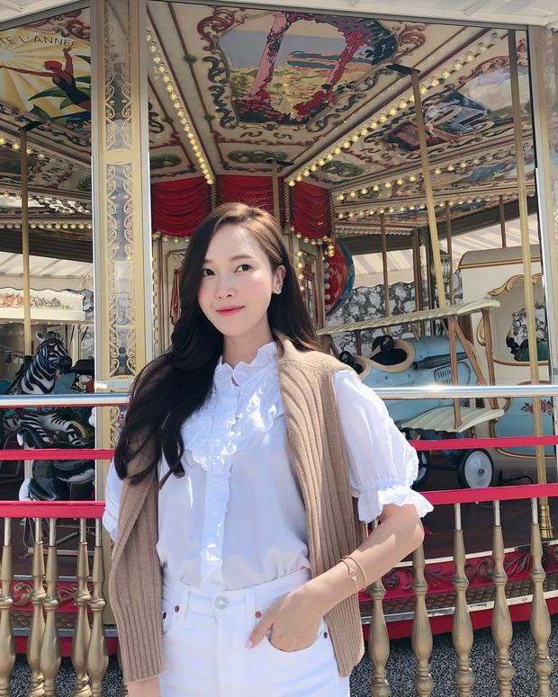Jessica là fan cứng của áo blouse trắng và chỉ cần xem qua, chị em sẽ chấm được những kiểu đáng diện nhất - Ảnh 3.